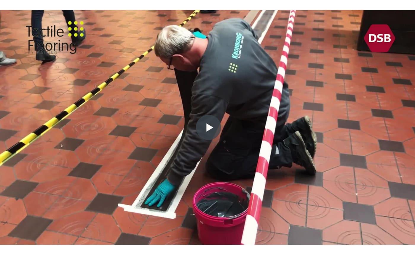 Tactile Flooring Referens taktila gummiledstråk Centralstationen Köpenhamn
